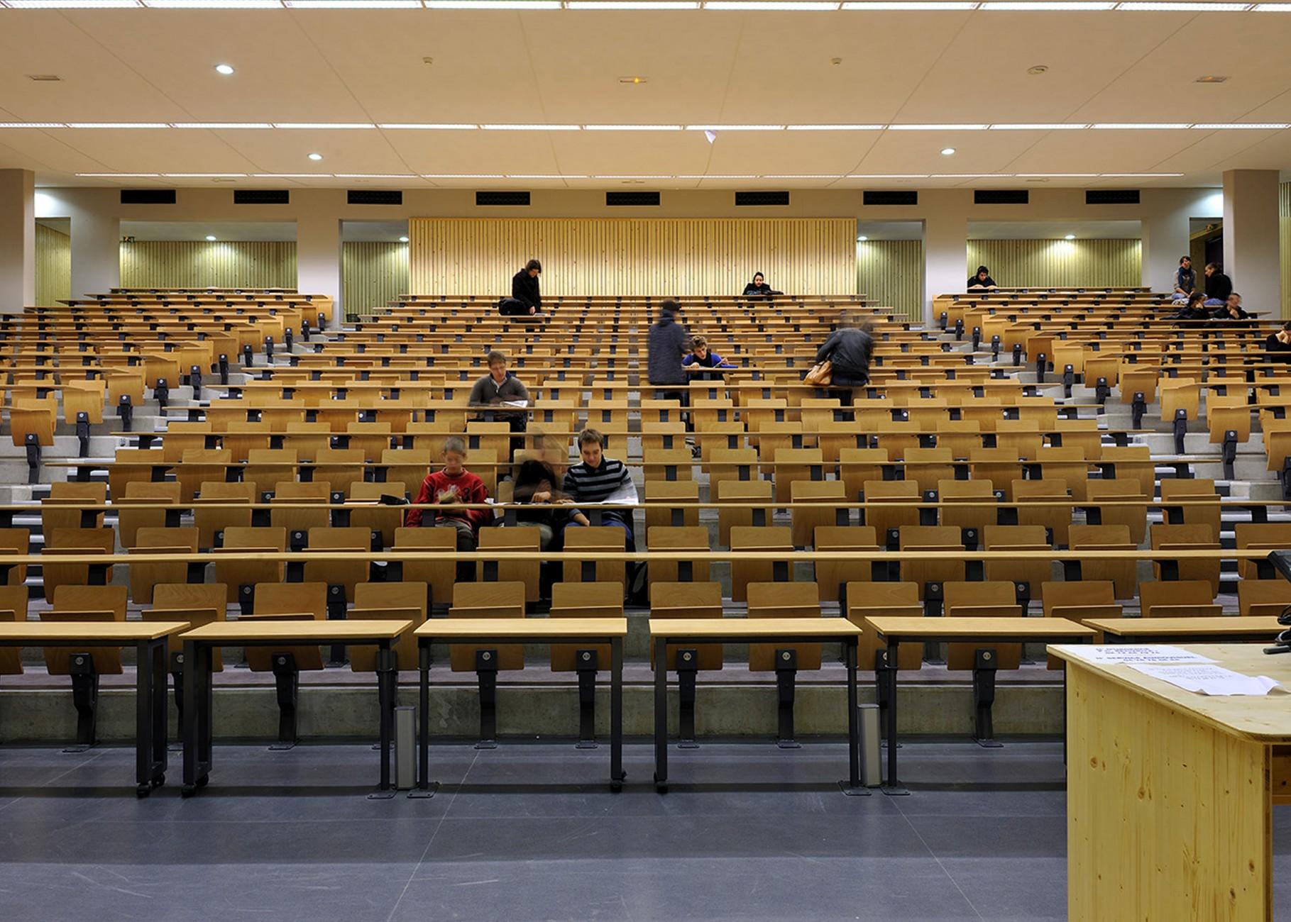 Université... L Equipe